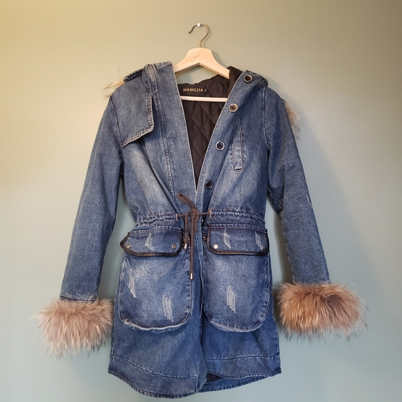 Cinched waist mid-length demin winter/fall jacket